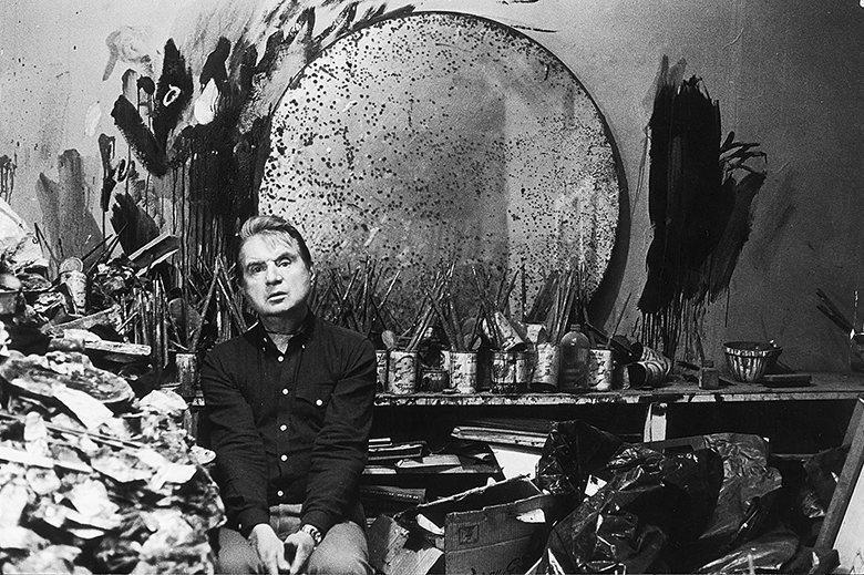Francis Bacon in his studio (1985) | photo by Jane Bown for the Observer (fair use)