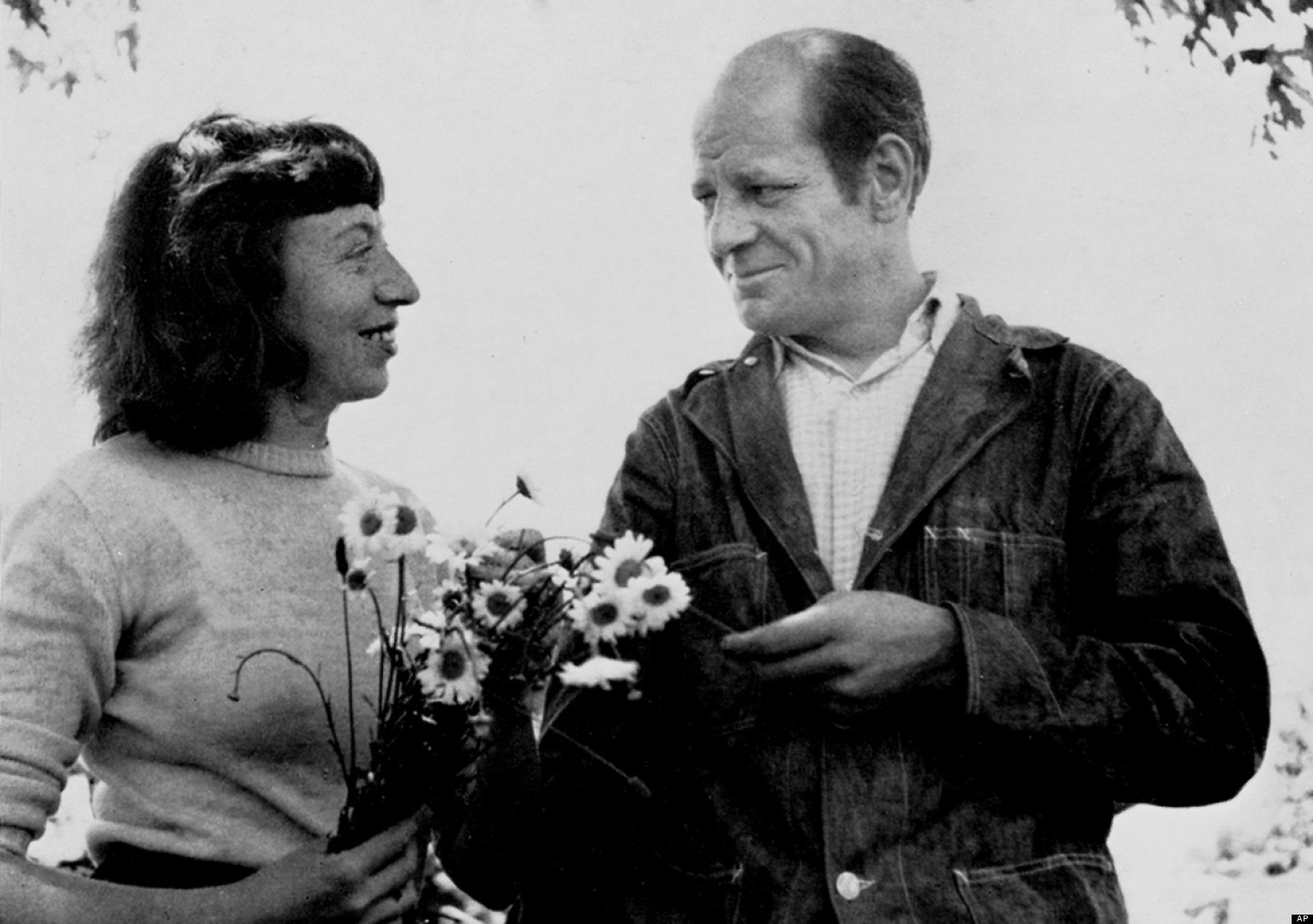 Lee Krasner & Jackson Pollock circa 1949 | Image from Archives of American Art (fair use)