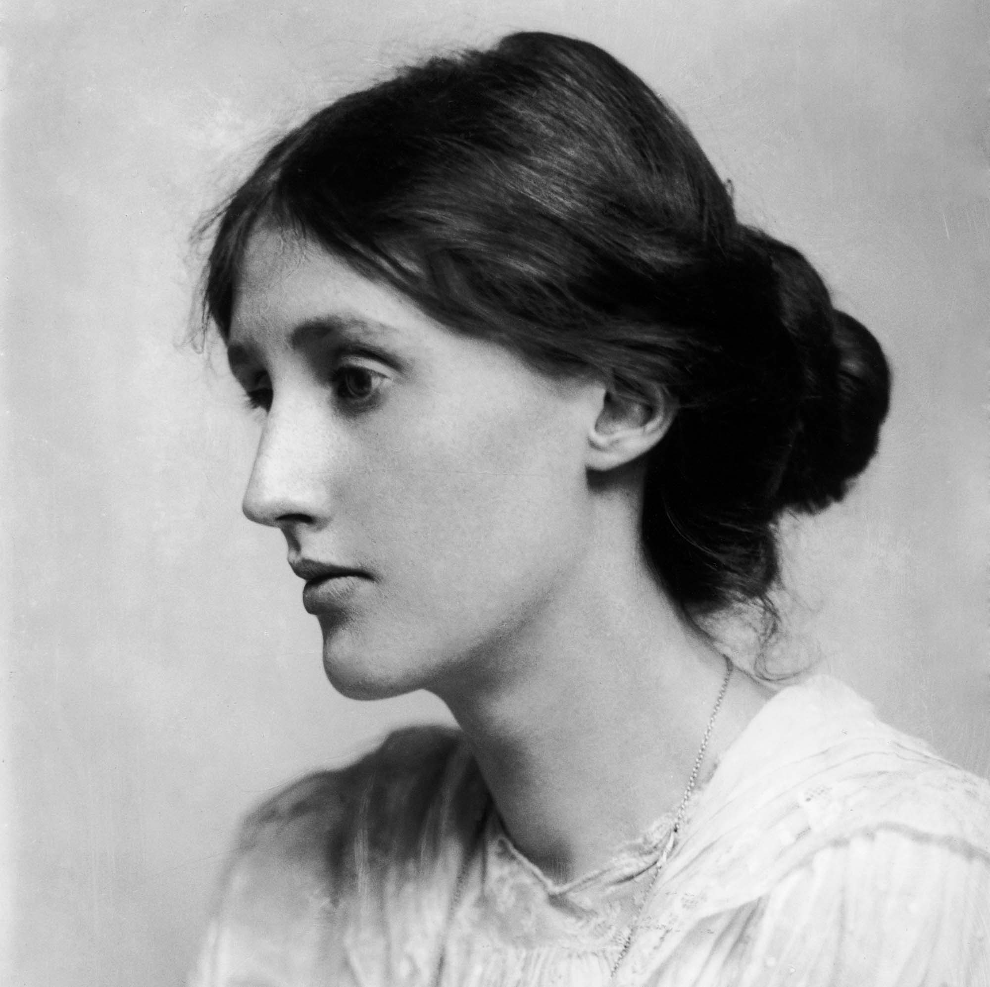 Virginia Woolf 1902 | Photo by George C. Beresford/Hulton Archive/Getty Images (public domain)
